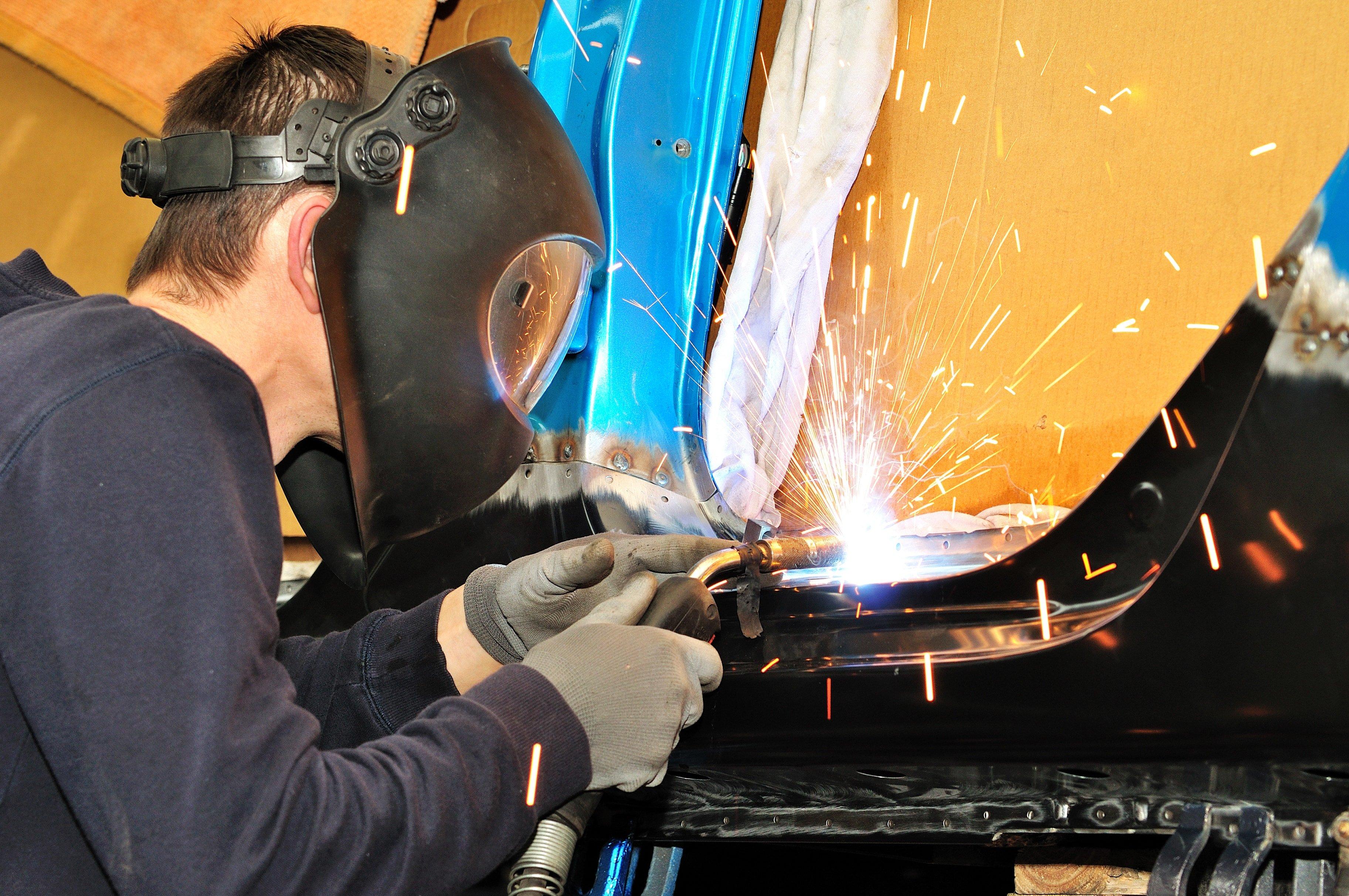 auto welding.jpg