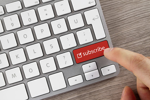 keyboard with subscribe key in red